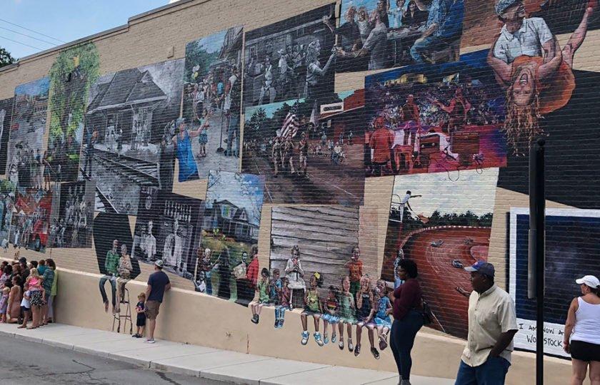 arts mural in Woodstock, GA